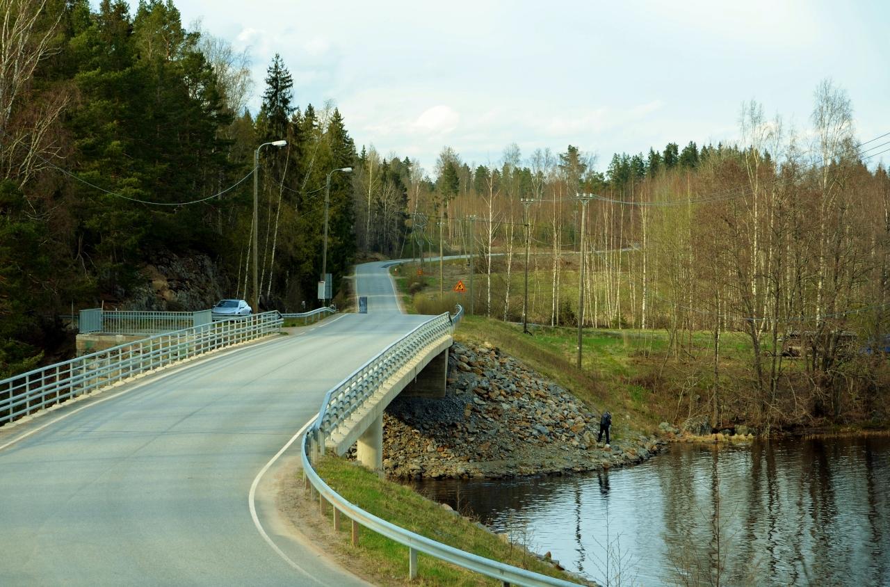 Maratonin reitillä oleva silta Ellivuoressa.